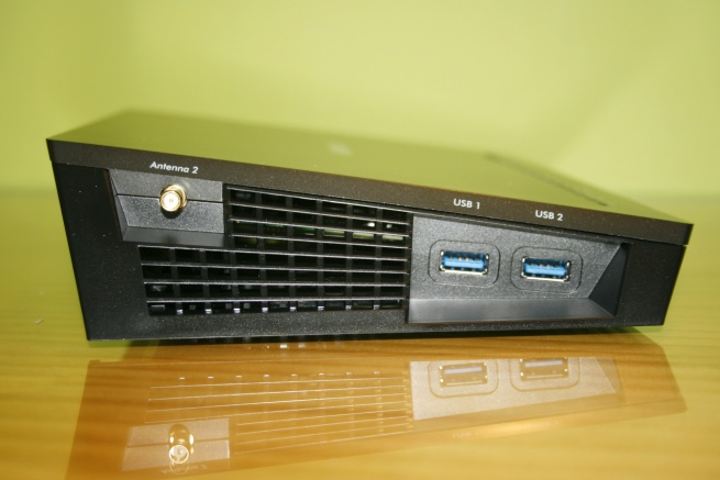 High-performance USB 3.0 ports on the NETGEAR R7800 router