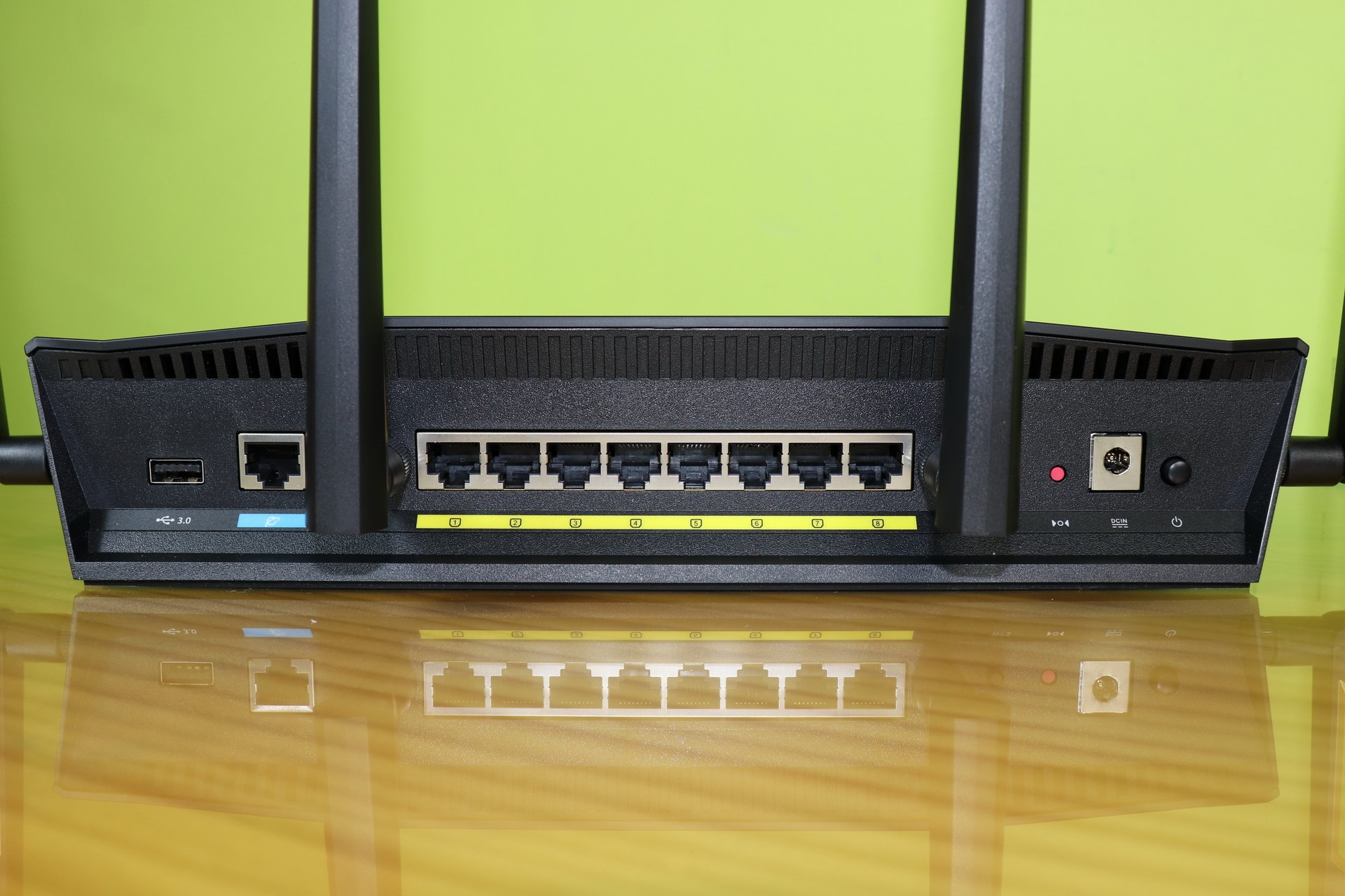 ASUS RT-AX88U Gigabit ports and connections